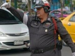 Пузатых тайских полицейских отправляют в учебный лагерь