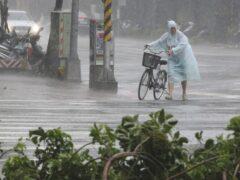 Мощный супертайфун обрушился на Китай