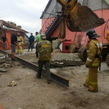 Спасатели в Приморье продолжают искать провалившегося в старую шахту мужчину
