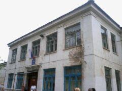 В Приморье дети пошли учиться в разрушающиеся школы