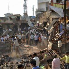 В результате взрыва ресторана в Индии погибло более 80 человек