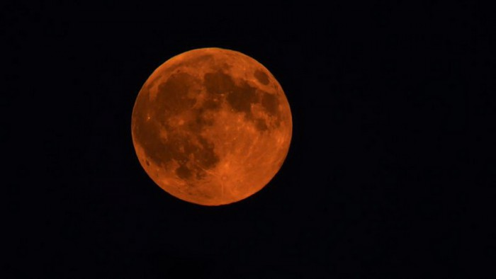 la-trb-los-angeles-mountains-supermoon-eclipse-001