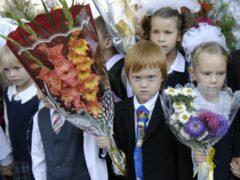 Путин поручил рассмотреть возможность начала переноса учебного года