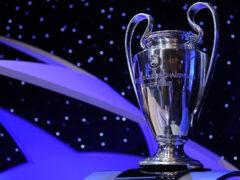 В Украину привезли Кубок Лиги чемпионов и Кубок Лиги Европы