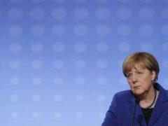 Меркель: Военные усилия нужны в Сирии, но война еще не закончена