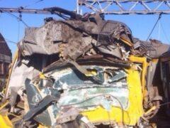 Пассажирский поезд сошел с рельсов в Пакистане, есть жертвы