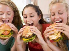Ученые: Не вызванное голодом потребление пищи вредит здоровью