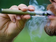 Ученые: Электронные сигареты провоцируют рак