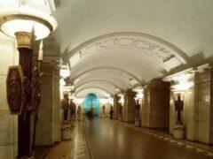 В Петербурге машинисту поезда метро стало плохо в тоннеле