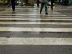 Сбивших двух девочек водитель скрылся с места ДТП в Петербурге