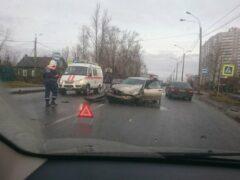 В Петербурге на Лагерном шоссе «рассыпался» BMW