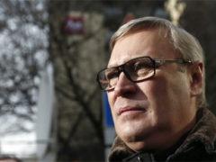 Михаил Касьянов отдохнул на курорте в Швейцарии в особняке за 5 млн. рублей в неделю