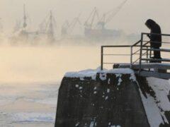 Петербуржец насмерть замерз на Вантовом мосту после ссоры с девушкой