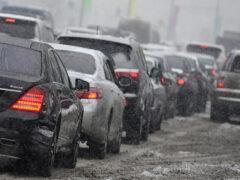 Сразу 11 автомобилей столкнулись на МКАД из-за снегопада