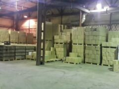 В Колпино из подпольного цеха изъято 16 тысяч литров алкоголя