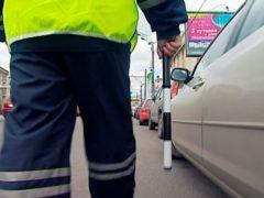 На АЗС в Ленобласти водитель покусал полицейского
