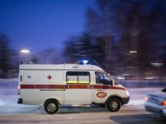 В Кемерове водитель переехал лежащего на дороге пьяного мужчину