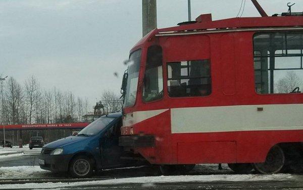ДТП авто трамвай