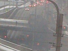 Петербург: Под мостом на Обводном канале фура загорелась от взрыва колеса