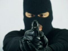 Петербург: трое в масках ограбили ломбард во Фрунзенском районе