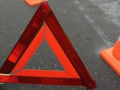 ДТП в Кузбассе: На трассе мотоцикл врезался в Mitsubishi, пострадали два человека