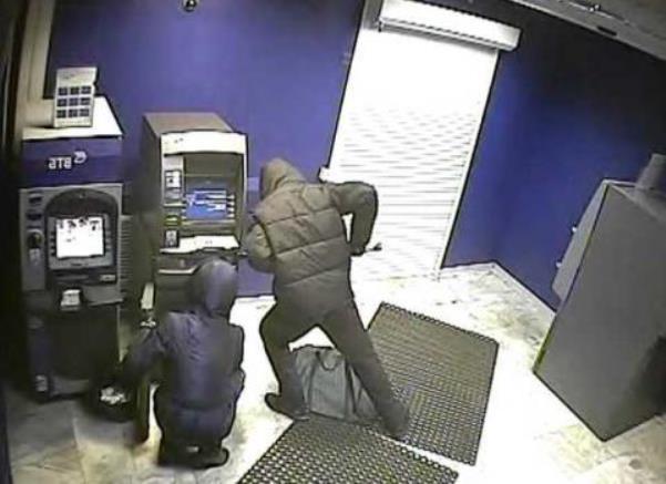 грабители банкомат