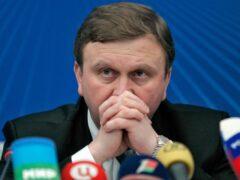 Кобяков попросил не обращаться за ресурсами для латания дыр, образовавшихся из-за бесхозяйственности