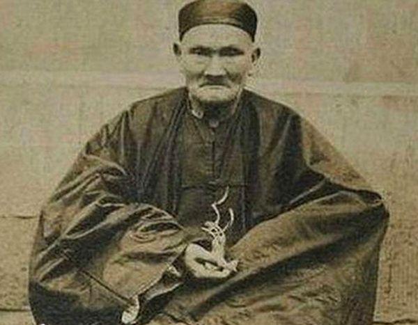 Ли Циньюнь