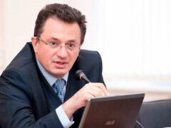 Предприниматель из Пскова требует отдать его под суд