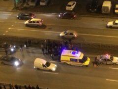 Петербург: На проспекте Косыгина Land Rover сбил девушку