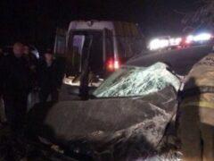 Очевидцы: На Токсовском шоссе пьяный водитель BMW врезался в автобус