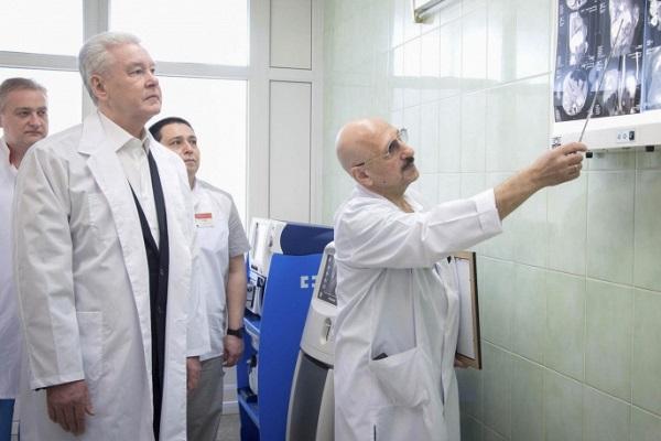 Собянин врач