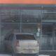 В Томске водитель иномарки врезался в витрину супермаркета