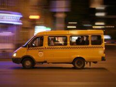 В Кемерове столкнулись маршрутка и внедорожник
