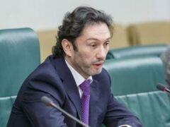 Сенатор Кавджарадзе при доходе в 4,6 млн рублей купил недвижимости на 16,5 млн долларов