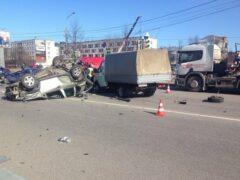 В Кировске в массовом ДТП пострадали машины и люди