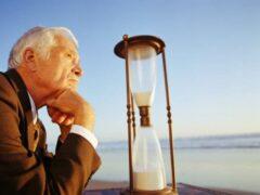 Боязнь смерти мешает людям откладывать деньги на старость