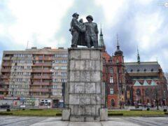 Памятник советским солдатам уберут из центра города Легница