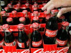 В Кении запретили рекламу Coca-Cola из-за сцены с поцелуем