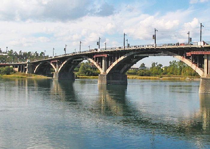старый Ангарский мост в Иркутске