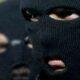Петербург: Трое грабителей в масках отобрали у жильца коммуналки полмиллиона
