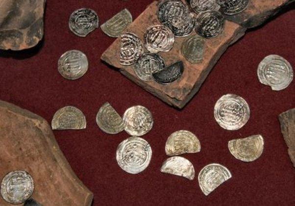клад старинных монет
