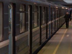 Петербург: Пассажиру «Ладожской» зажало ногу между поездом и платформой