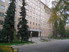 В Москве пациент разбился при падении с восьмого этажа больницы