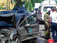 В Воронеже 10-месячная девочка пострадала в ДТП с 3 машинами