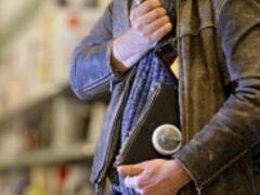 Астраханец украл виски и избил охранника гипермаркета