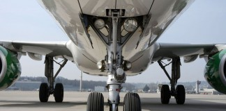 самолет колесо