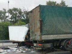 В столкновении «ГАЗели» и фуры на Горьковском шоссе в Подмосковье погибла женщина