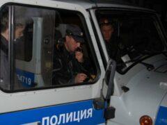 Пьяный мужчина проломил голову пассажиру автобуса столбом
