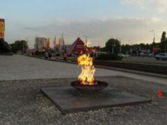В Воронеже у Вечного огня группа девушек избила мужчину